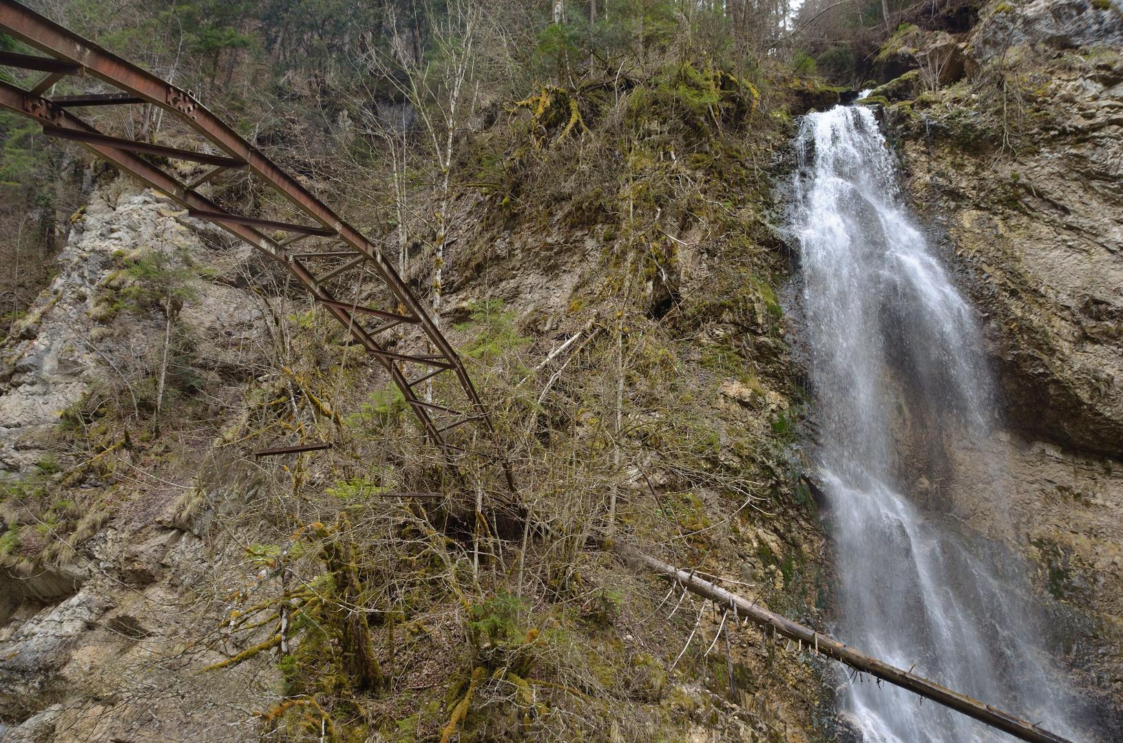 Der Bogen und der Wasserfall