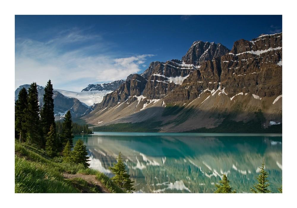 Der Bow Lake mit Crowfoot Glacier