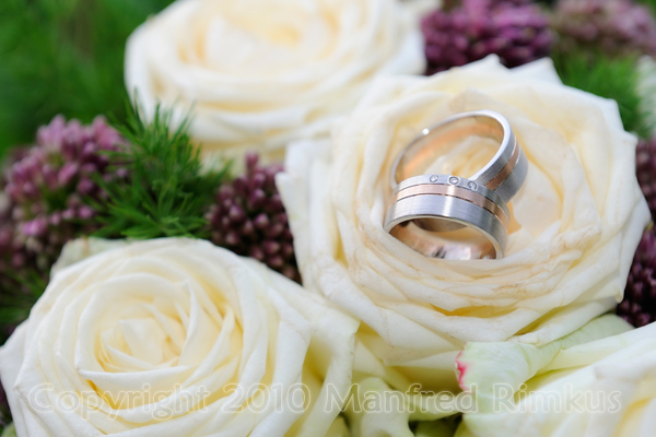Der Brautstrauß / Ringe