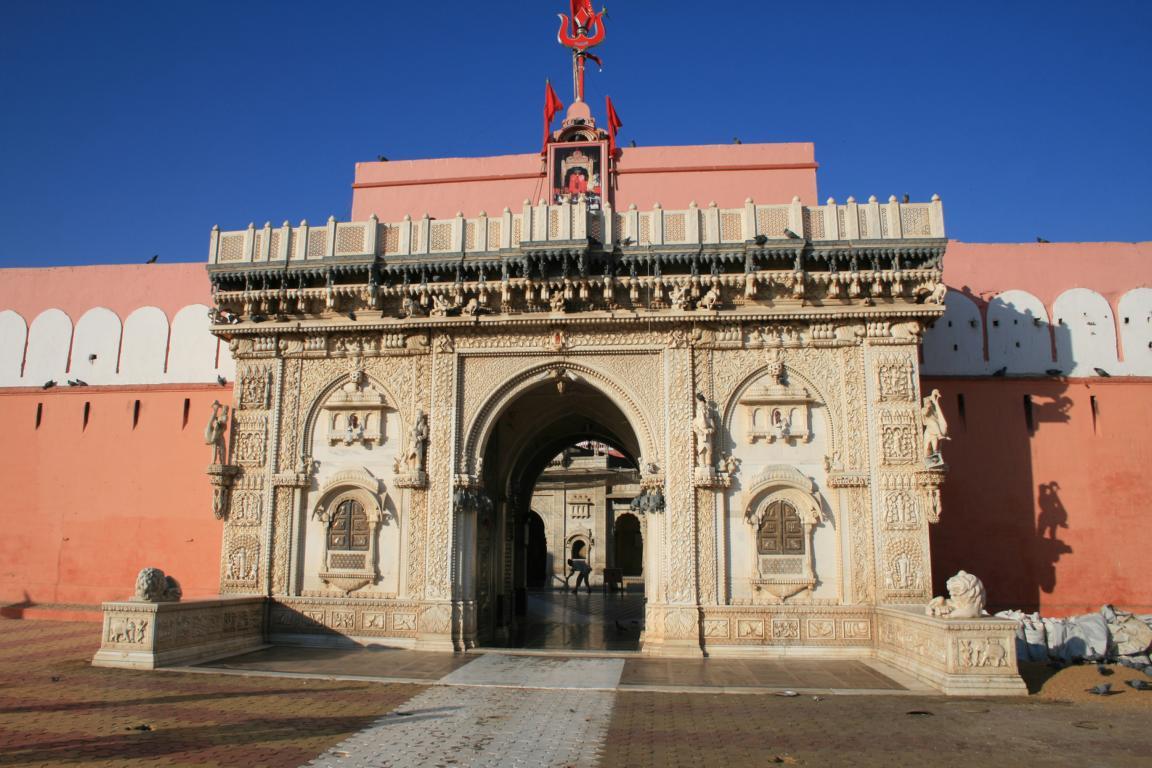 der Deshnok-Karni-Mata-Tempel (Rattentempel)