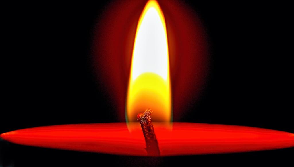 der Docht macht das Feuer