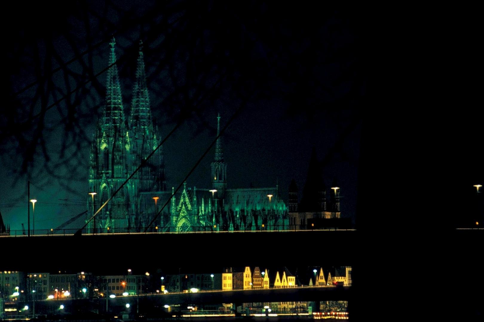 der dom und die severinsbrücke zu köln