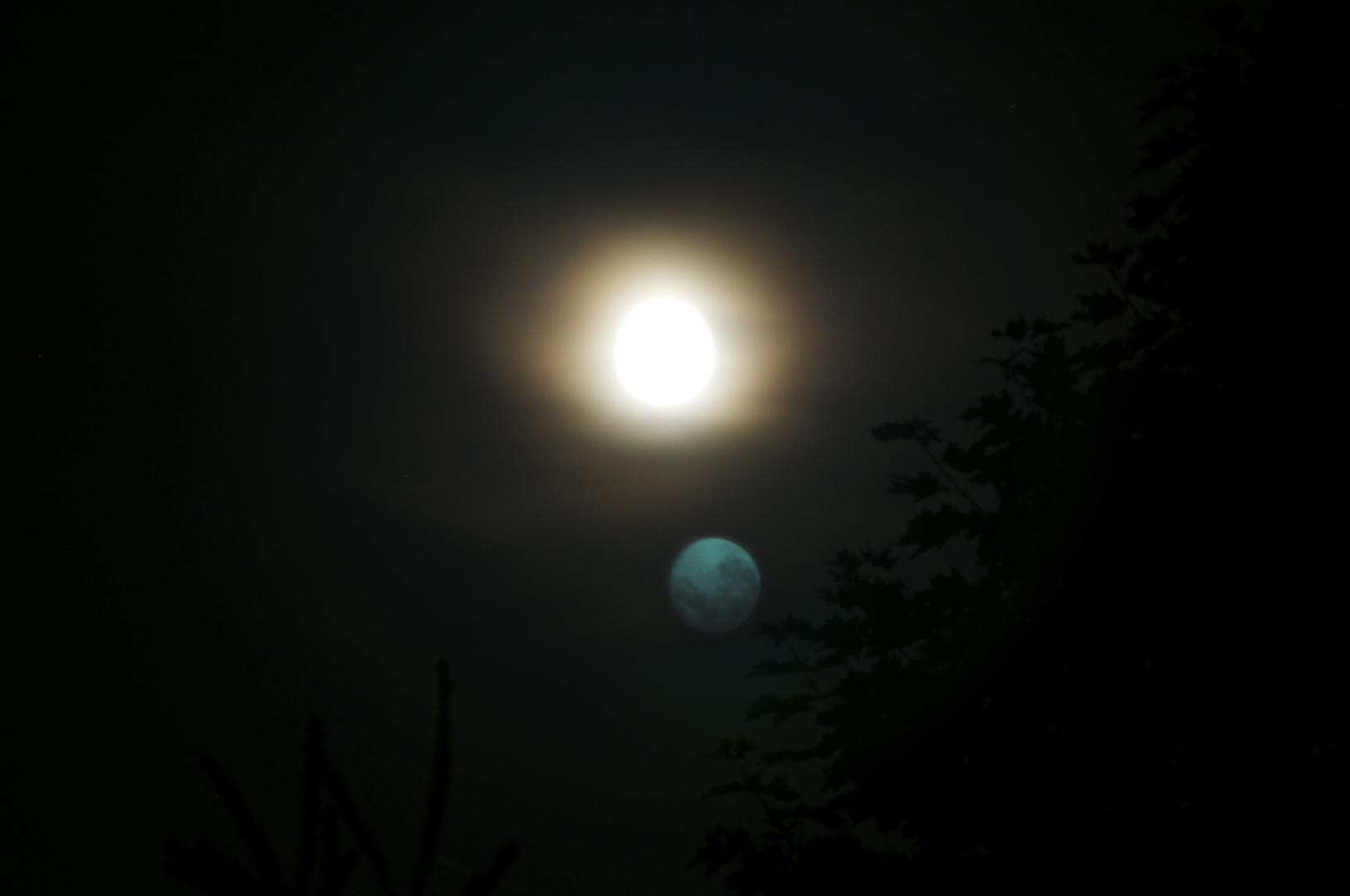 Der doppelte Mond