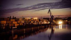 Der Dortmunder Kanalhafen bei Nacht