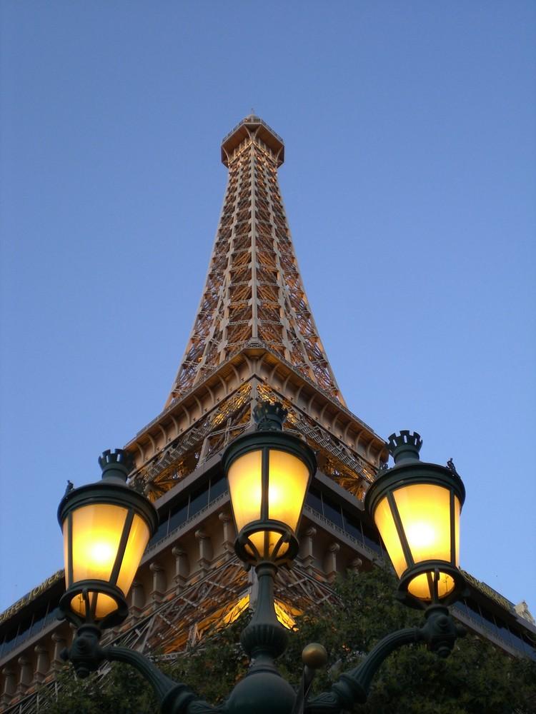 Der Eifelturm des Kasino Paris in Las Vegas