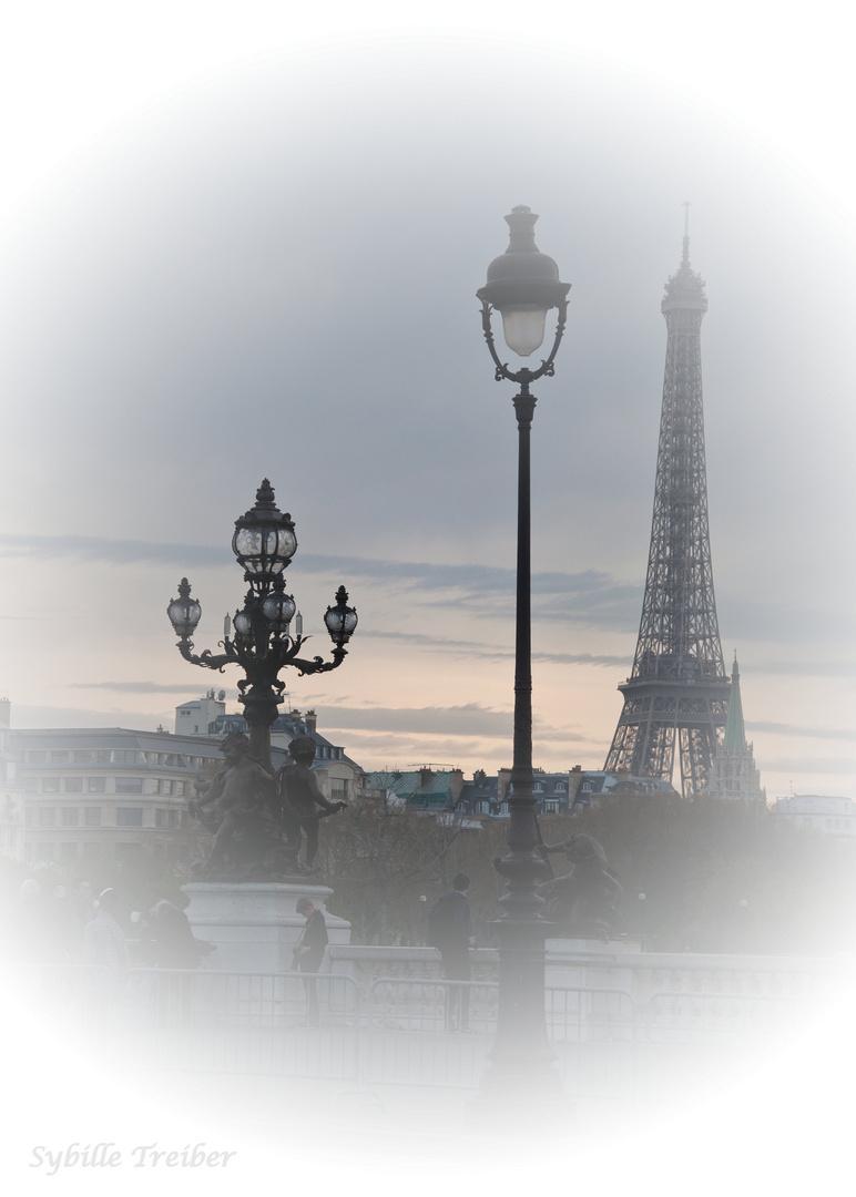 Der Eiffelturm feiert Geburtstag