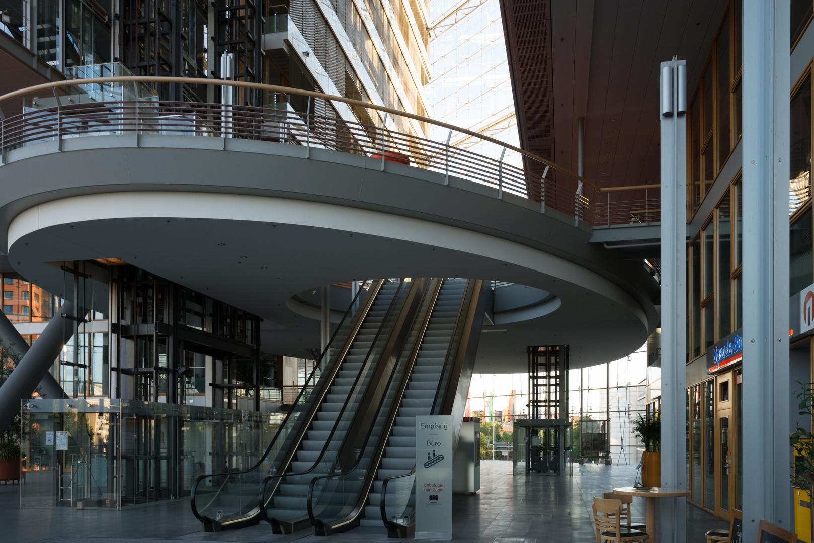 Der Eingang zum Stadttor Düsseldorf