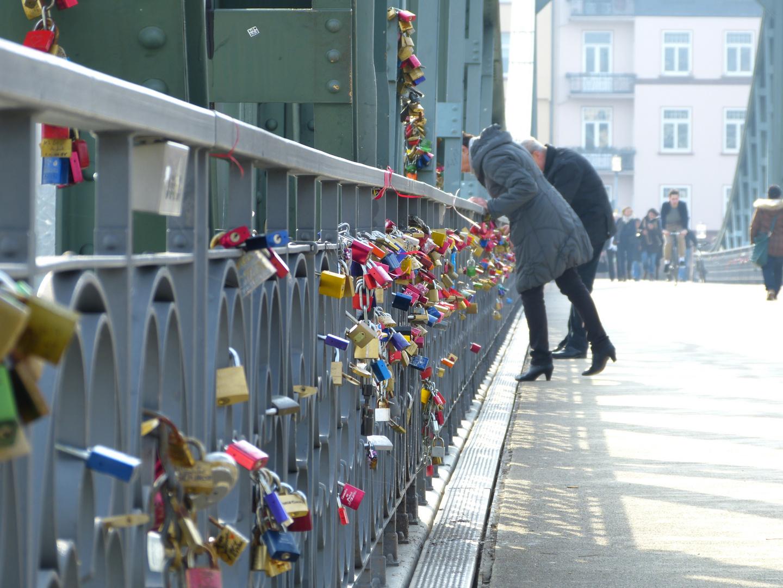 Der eiserne Steg in Frankfurt (2)
