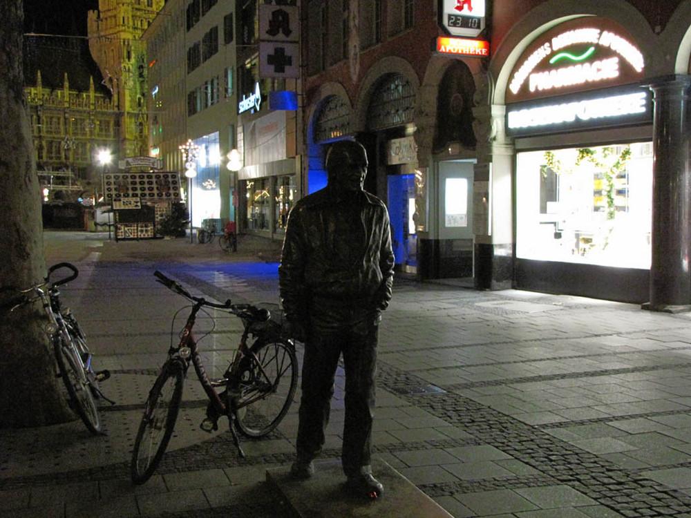 Der ewige Münchner Nachtspaziergänger