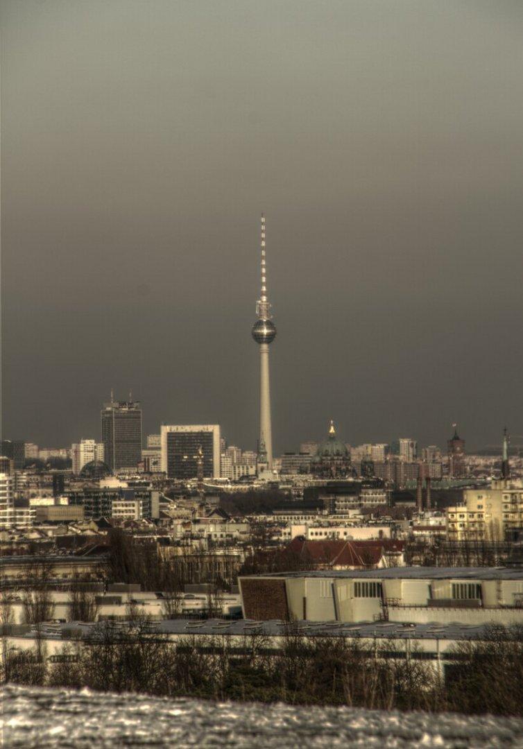 Der Fernsehturm vom Teufelsbefg aus