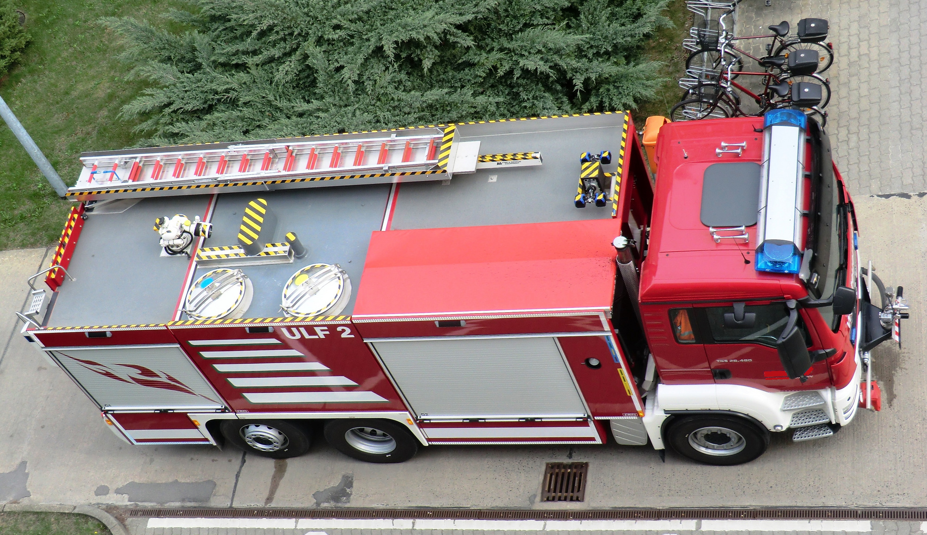 Der Feuerwehr auf´s Dach geschaut