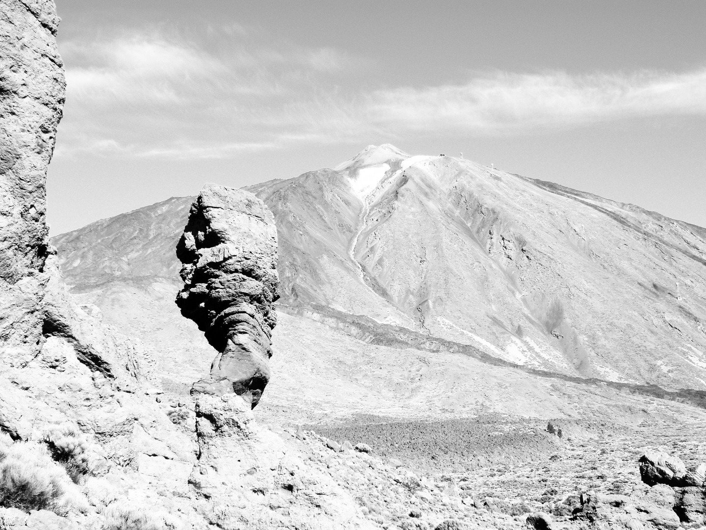 """Der """"Finger Gottes"""" mit dem Pico Del Teide im Hintergrund (Teneriffa)"""