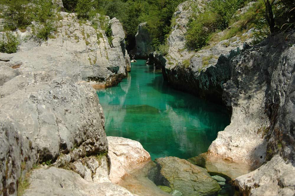 der Fluss Soca in Slowenien
