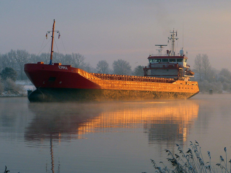 Der Frachter EMMA