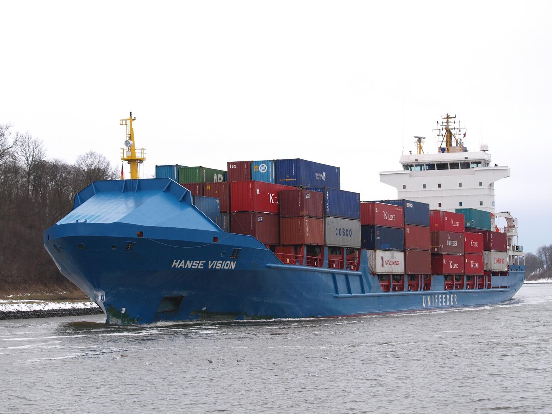 Der Frachter HANSE VISION auf dem Nord-Ostsee-Kanal