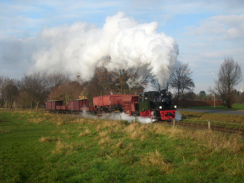 Der frühmorgendliche Güterzug