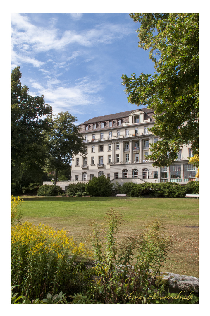 Der Fürstenhof vom Kurgarten aus gesehen