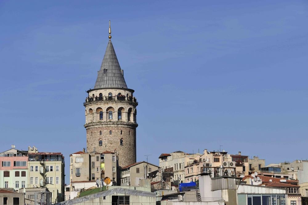 Der Galata-Turm gewährt den Blick über das Goldene Horn