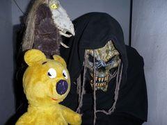 Der gelbe Bär Halloween 2010...und noch ein komisches Wesen.