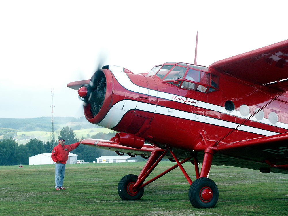 Der größte Doppeldecker der Welt - die 1000 PS starke Antonov