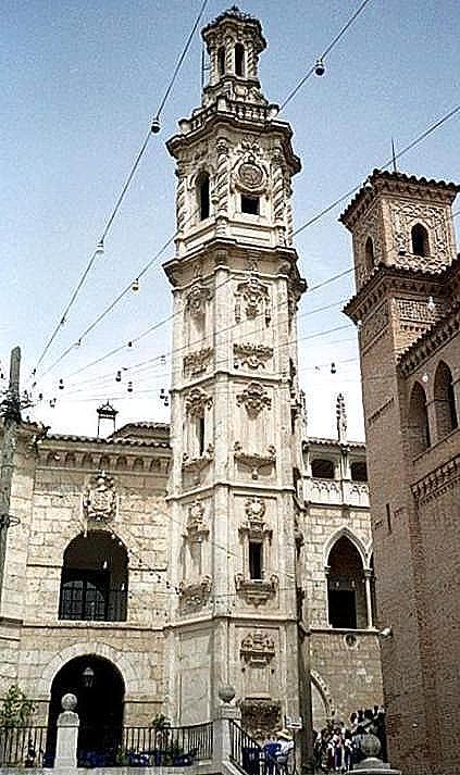 der große Turm
