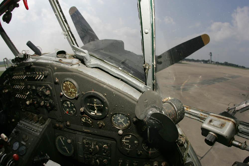 Der große und der kleine Propeller (Antonov AN-2)
