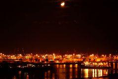 Der Hafen mit Mond