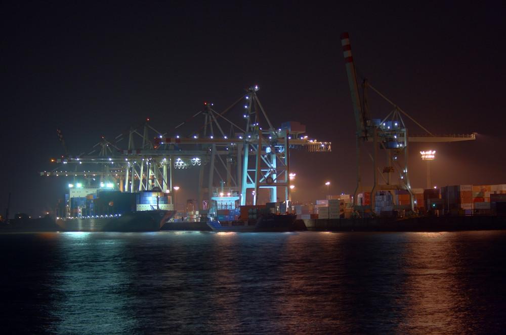 Der Hafen schläft nie