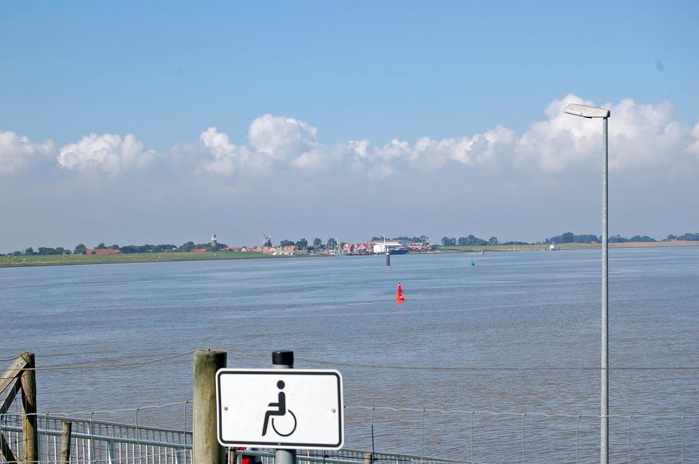 Der Hafen von Ditzum vomm Emssperrwerk gesehen!
