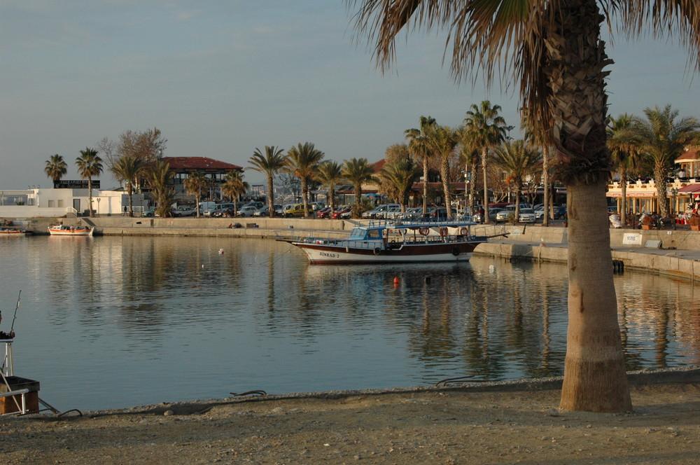 Der Hafen von Side