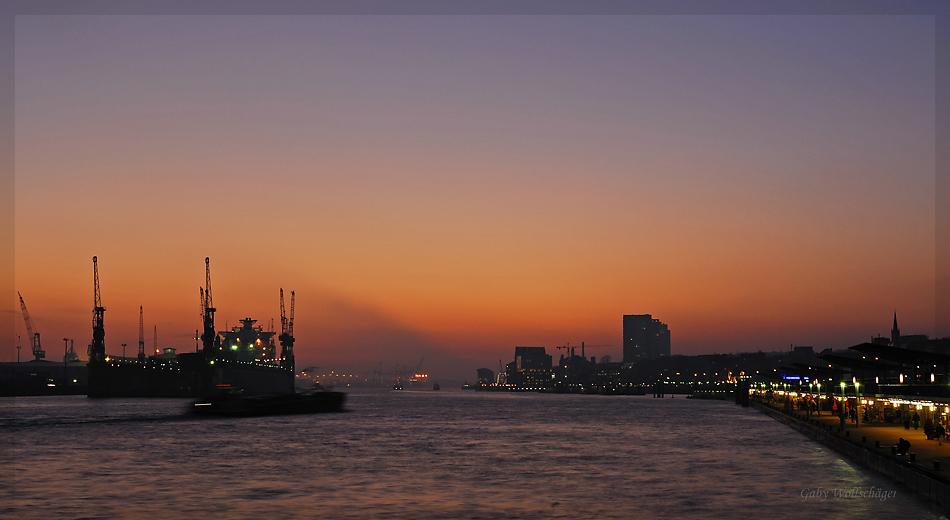 Der Hamburger Hafen...