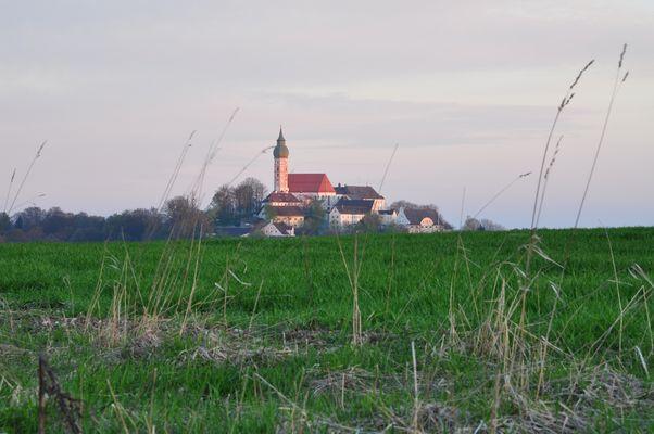 Der heilige Berg - Kloster Andechs am Morgen