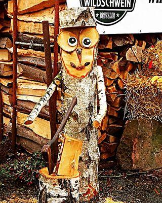 Der Herbst ist da – Zeit zum Holz hacken
