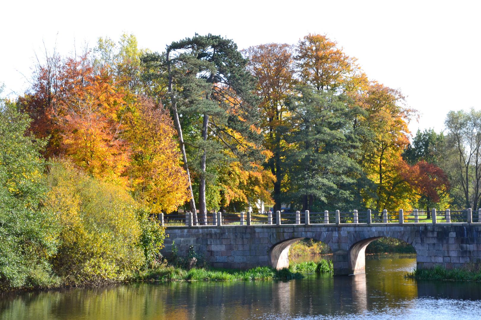 Der Herbst mit seinen schönen Farben