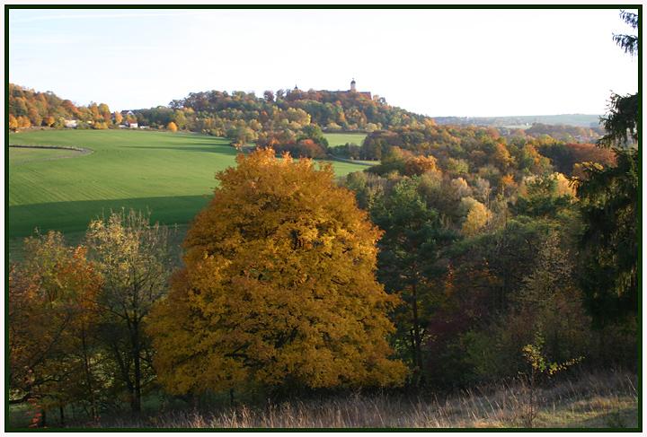 Der Herbst steht auf der Leiter..