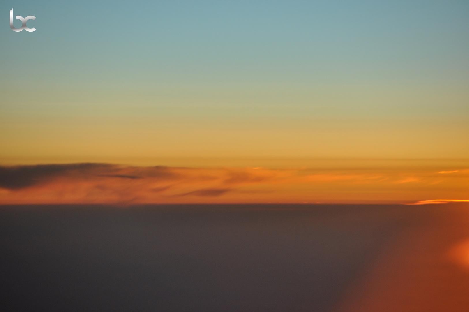 Der Himmel brennt . . .