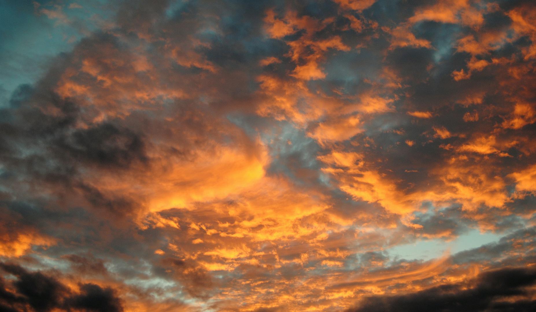 Der Himmel brennt....