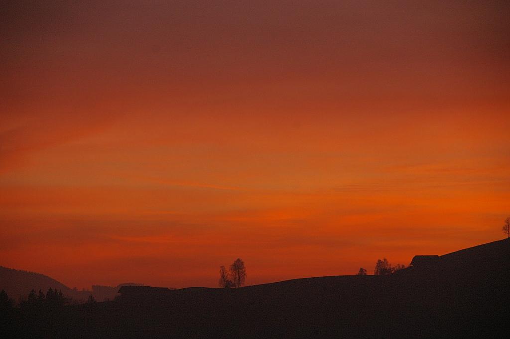 ..Der Himmel brennt...