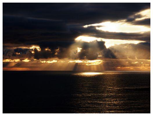 Der Himmel brennt um Mitternacht