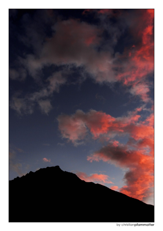 ..der himmel brennt..die engel fliehn..[2]