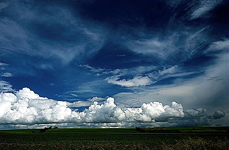 Der Himmel über dem Land