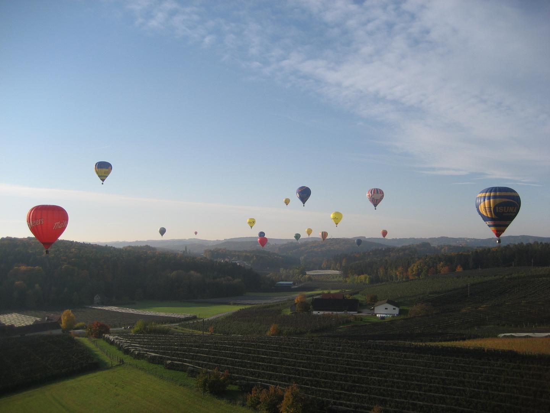 Der Himmel über der Oststeiermark voller Ballons!