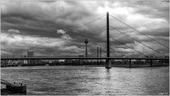Der Himmel über Düsseldorf