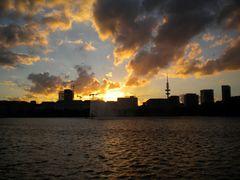 Der Himmel über Hamburg brennt