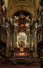 Der Hochaltar in der Peterskirche