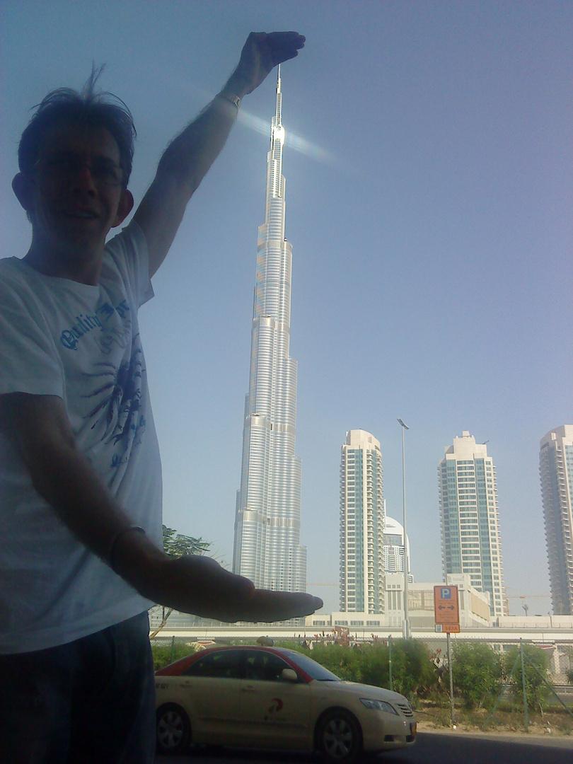 Der höchste Turm in den Händen