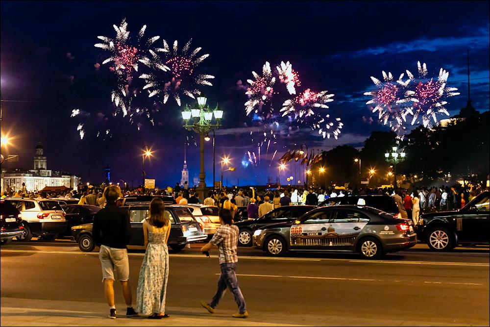 Der Höhepunkt der Weißen Nächte in St. Petersburg