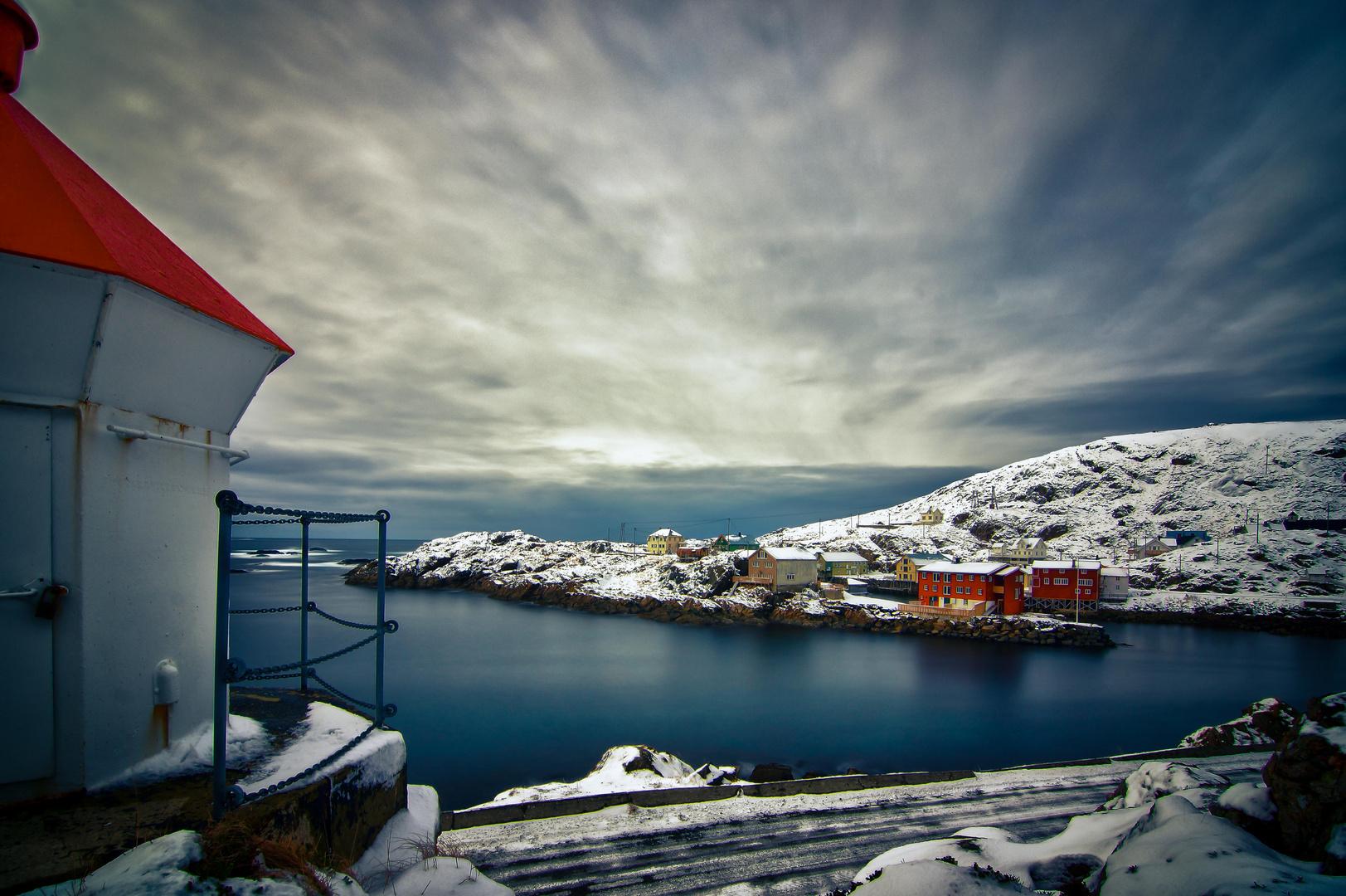 Der idylische Hafen in Nyksund auf den Lofoten
