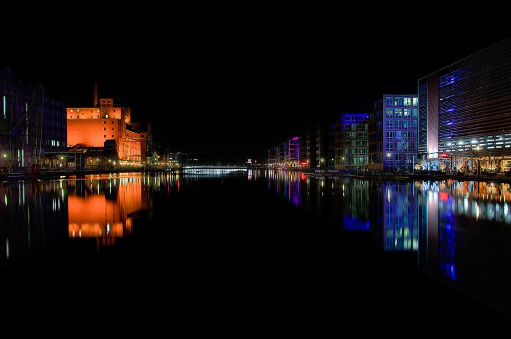 Der Innenhafen bei Nacht