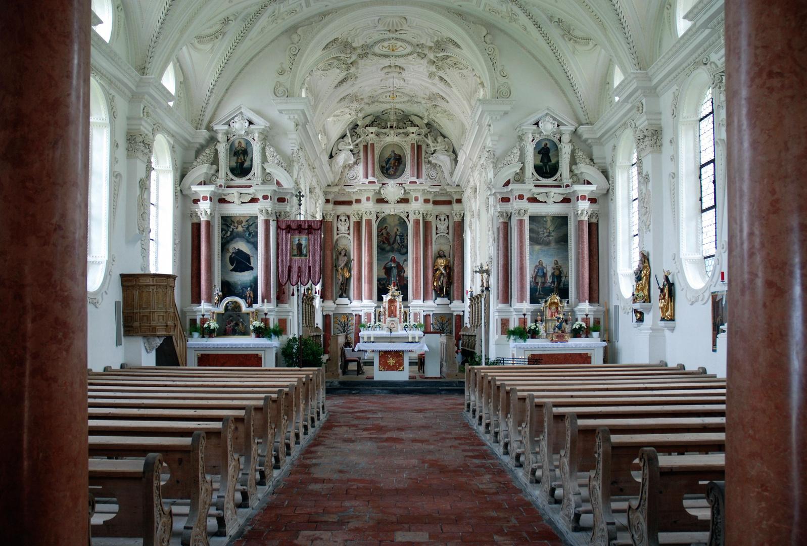 Der Innenraum von St. Coloman